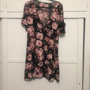 Plus size cross over tie to the waist flower dress